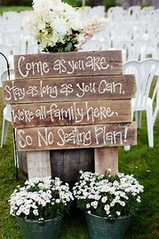 Rustic-Wedding-Pallet-note-to-your-guest