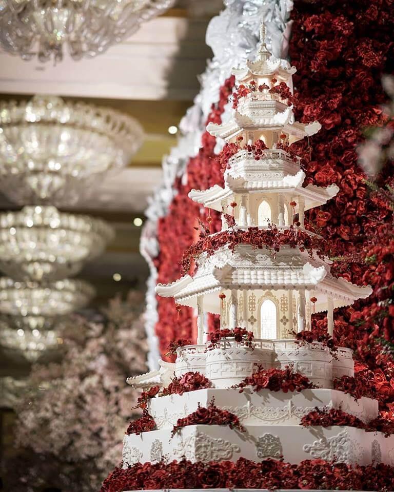 Amazing Details wedding cake