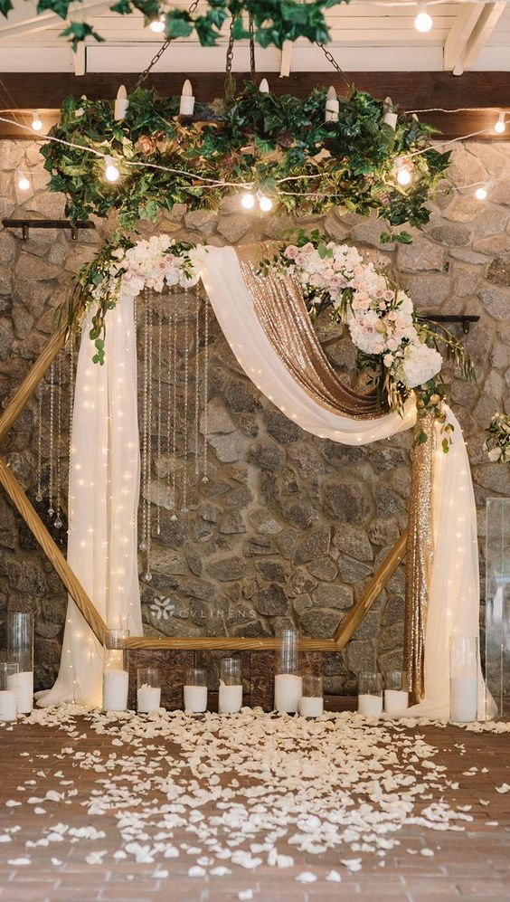 Rustic wedding decor - make a dreamy DIY backdrop