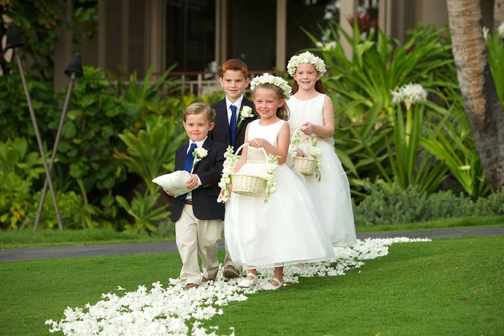 beautiful flowers and formal outfits a great choice for any elegant wedding