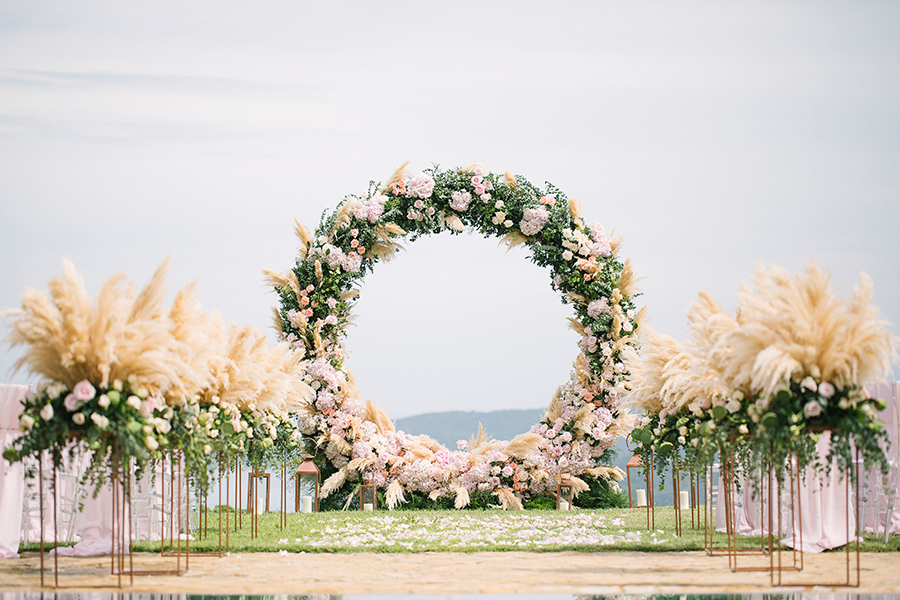circular floral arches altars wedding ceremony backdrop new trend