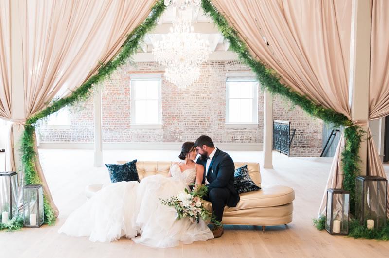 Intimate-Charleston-Wedding-Inspiration-Lounge-Furniture