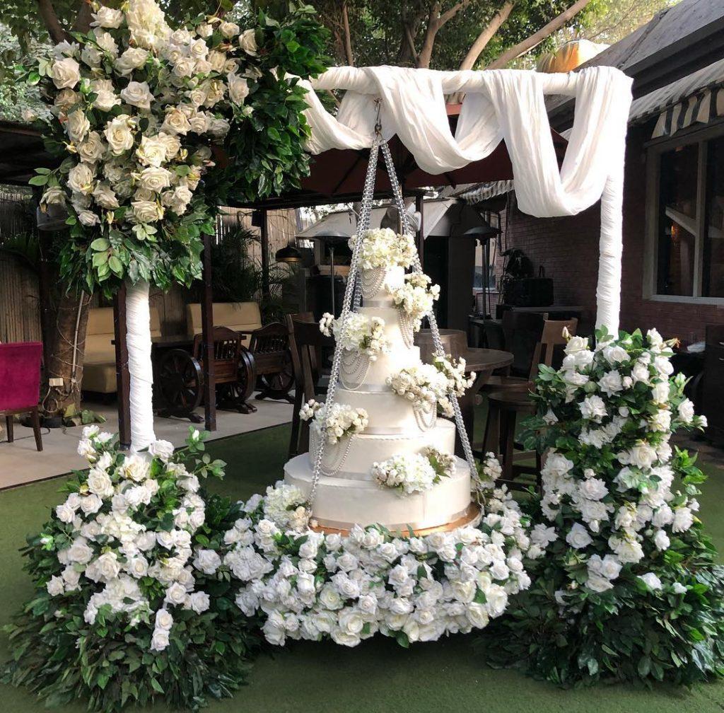 Beautiful wedding cake set up
