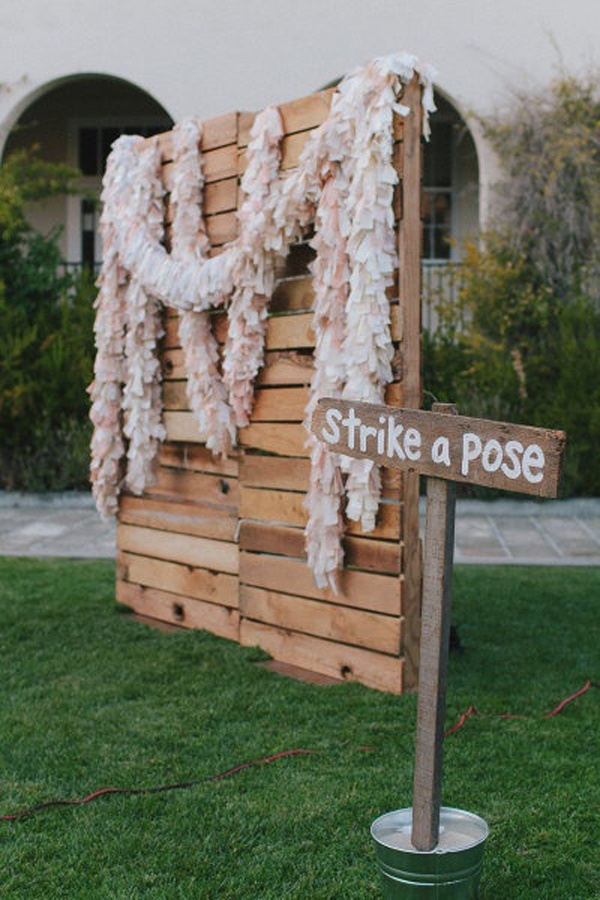 Wooden photbooth backdrop