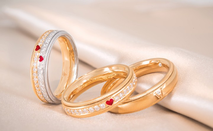 Seventeen tons of gold are made into wedding rings each year in the United States.