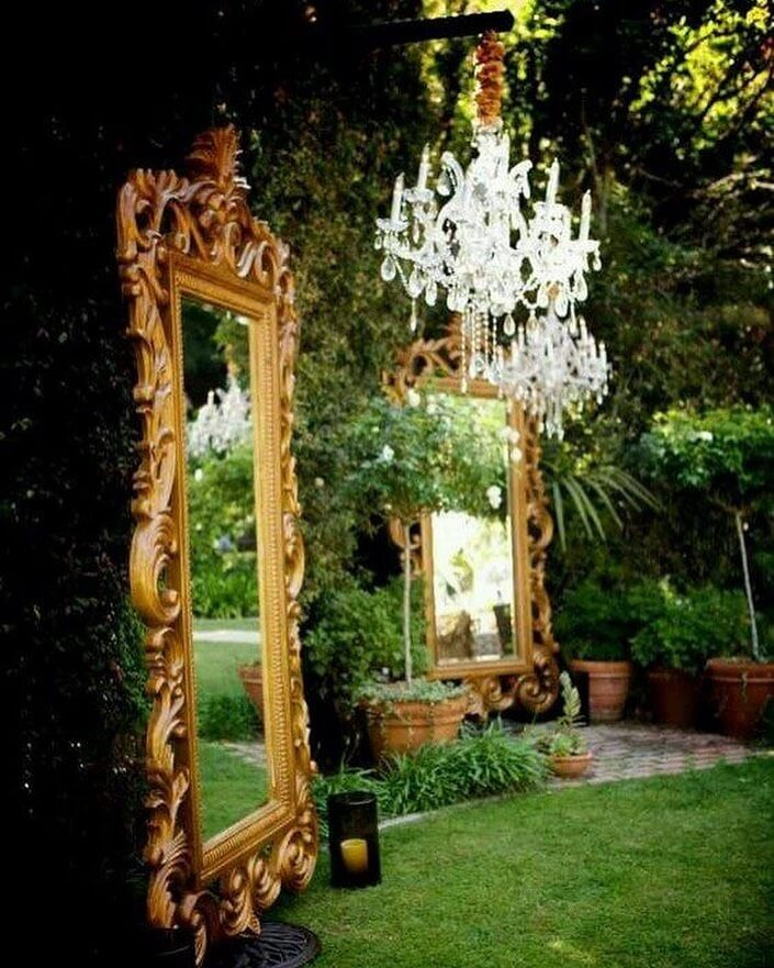 Vintage-Frames-Chandeliers for rustic wedding