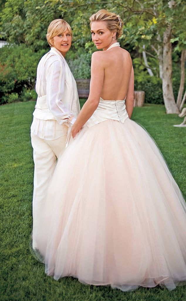 Chat show host Ellen DeGeneres and actress Portia de Rossi were married following an intimate ceremony in the grounds of their LA home.