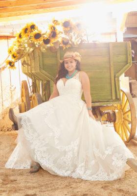 Morilee-Madeline-Gardner-Rosanna-Plus-Size-Wedding-Dress-Julietta