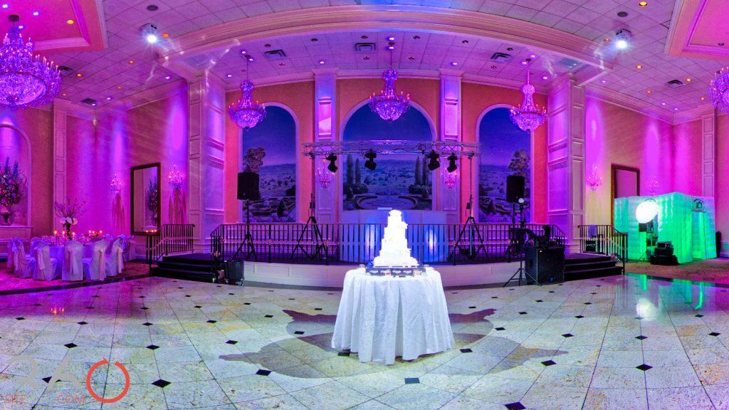 Il Villaggio Ballroom dance floor with wedding cake