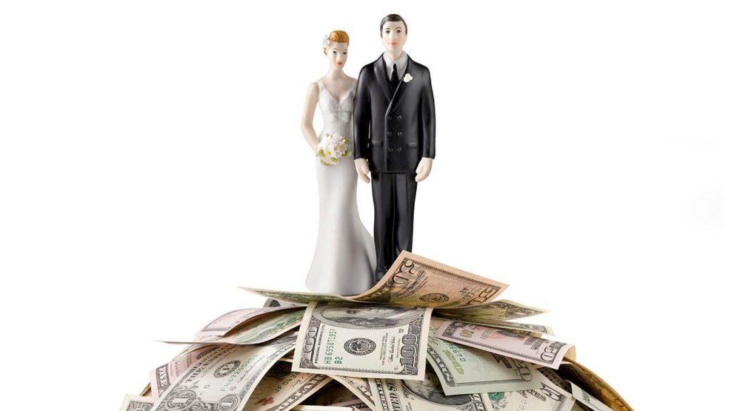 Coronavirus-and-wedding-expenses-buy-wedding-insurance