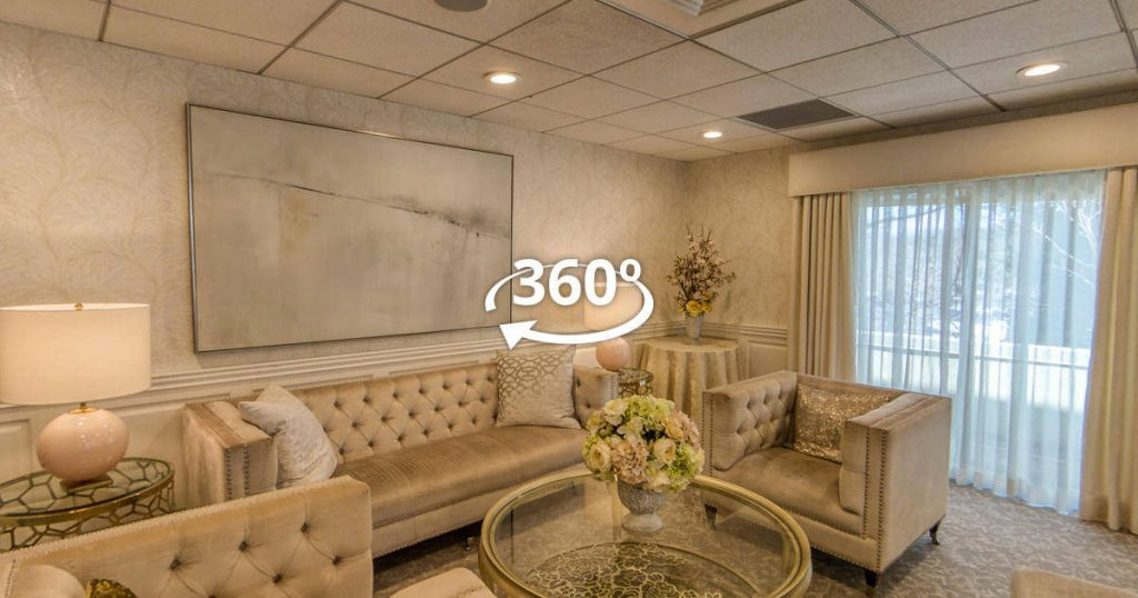 Brooklake-Country-Club-couples-suite-