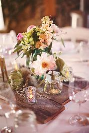Rustic-Wedding-Pallet-use-under-your-center-piece
