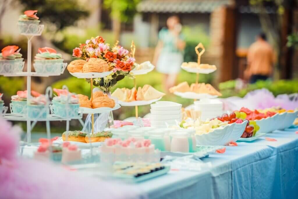 7 Affordable Wedding Food Ideas That Won't Break Your Budget