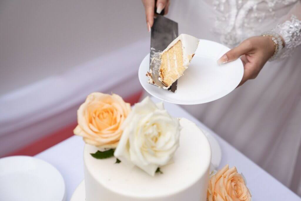 15 Questions to Ask Your New Jersey Wedding Cake Designer