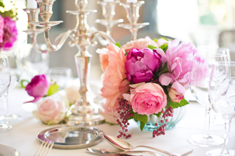 Clustered-Pink-Purple-and-Peach-Rose-and-Peony-Centerpiece-768×512