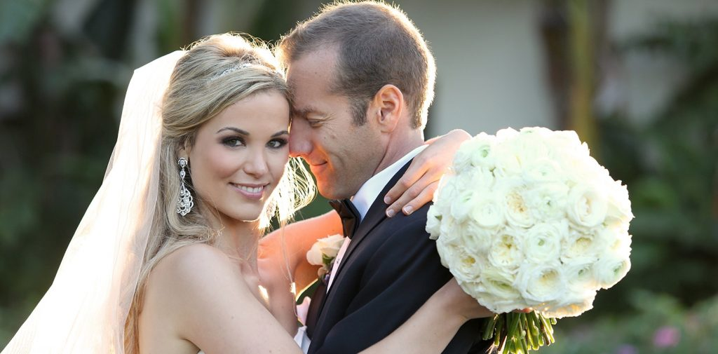 Hero-Elaborate-parties-by-bennett-new-jersey-wedding-planner-bride-and-goom-perfect-couples-poses