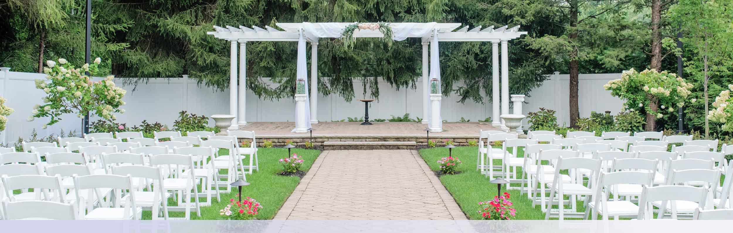 beautiful-outdoor-new-jersey-wedding-venue-ceremony-garden